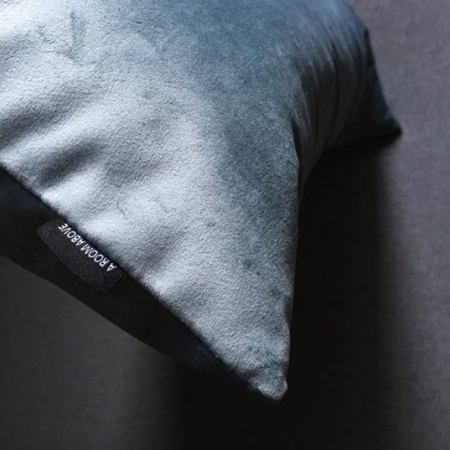 Pude 40x70, Novel velour, light blue