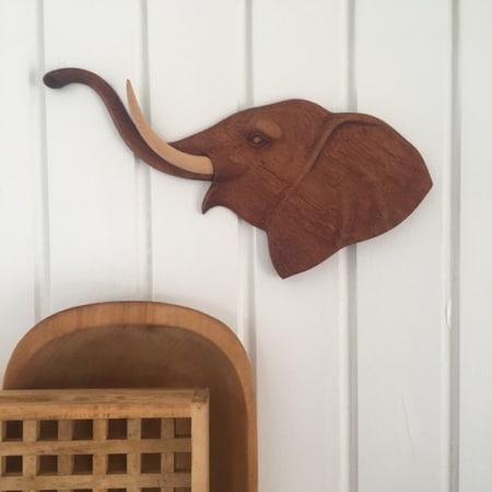 Elefant relief, teak
